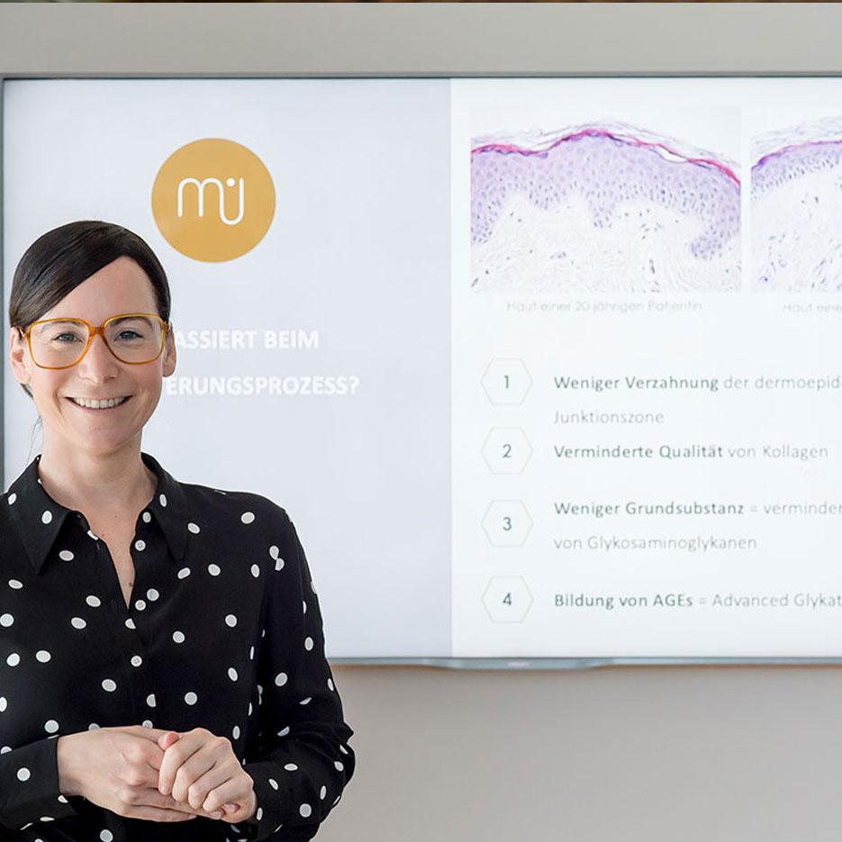 Dr. Julia Mader präsentiert